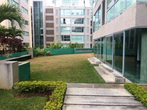 Apartamento En Alquiler En Caracas - Lomas del Sol Código FLEX: 19-3900 No.1