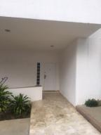 Casa En Venta En Caracas - Prados del Este Código FLEX: 19-3999 No.2