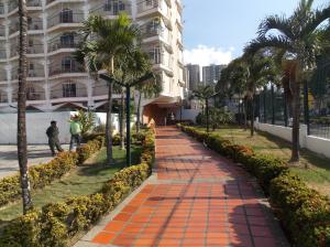 Apartamento En Venta En Caracas - El Paraiso Código FLEX: 19-4058 No.3