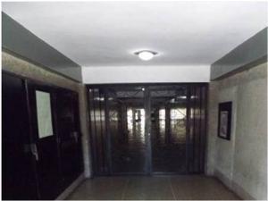 Apartamento En Venta En Caracas - Parroquia Santa Rosalia Código FLEX: 19-4122 No.1