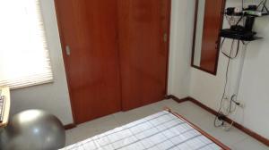 Apartamento En Venta En Caracas - Guaicay Código FLEX: 19-4156 No.8
