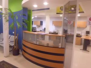 Galpon - Deposito En Venta En Caracas - La Trinidad Código FLEX: 19-4280 No.1