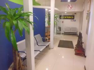 Galpon - Deposito En Venta En Caracas - La Trinidad Código FLEX: 19-4280 No.2