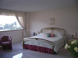 Casa En Venta En Caracas - Colinas de Bello Monte Código FLEX: 19-4418 No.13