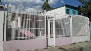 Casa En Venta En Maracay - La Candelaria Código FLEX: 19-4433 No.0