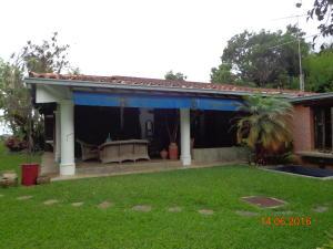 Casa En Venta En Caracas - El Hatillo Código FLEX: 19-4471 No.1