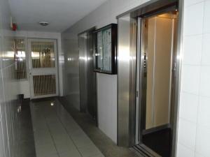 Apartamento En Venta En Caracas - Chacao Código FLEX: 19-4543 No.3