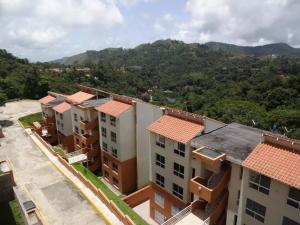 Townhouse En Venta En Caracas En Monte Claro - Código: 19-4581