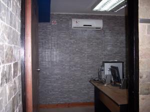 Local Comercial En Alquiler En Maracay - Calicanto Código FLEX: 19-4628 No.3