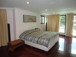 Casa En Venta En Caracas - Alto Hatillo Código FLEX: 19-4786 No.10
