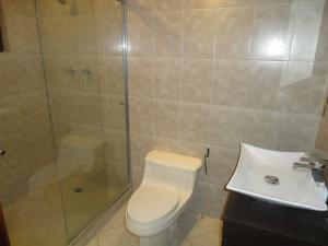 Casa En Venta En Caracas - Alto Hatillo Código FLEX: 19-4786 No.17