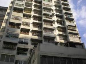 Oficina En Alquiler En Caracas - La Candelaria Código FLEX: 19-5095 No.0
