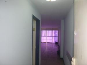Oficina En Alquiler En Caracas - La Candelaria Código FLEX: 19-5095 No.5