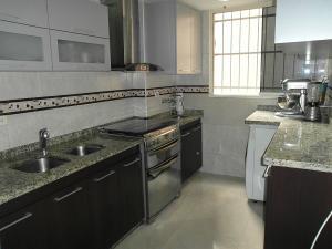 Apartamento En Venta En Caracas - Los Dos Caminos Código FLEX: 19-5892 No.4