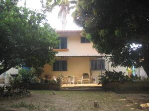 Casa En Venta En Maracay - El Castano (Zona Privada) Código FLEX: 19-5511 No.0