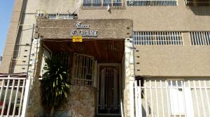 Apartamento En Venta En Maracay - Base Aragua Código FLEX: 19-5379 No.2