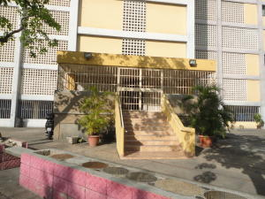 Apartamento En Venta En Maracay - Zona Centro Código FLEX: 19-5469 No.1