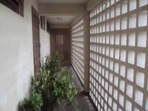 Apartamento En Venta En Maracay - Zona Centro Código FLEX: 19-5469 No.2