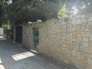 Casa En Venta En Maracay - El Castano (Zona Privada) Código FLEX: 19-5666 No.0