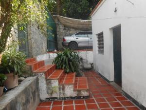 Casa En Venta En Maracay - El Castano (Zona Privada) Código FLEX: 19-5666 No.1