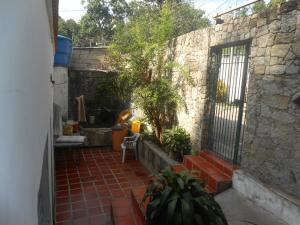 Casa En Venta En Maracay - El Castano (Zona Privada) Código FLEX: 19-5666 No.3