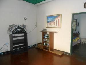 Casa En Venta En Maracay - El Castano (Zona Privada) Código FLEX: 19-5666 No.4