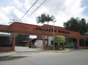 Casa En Venta En Maracay - Villas de Aragua Código FLEX: 19-5678 No.1