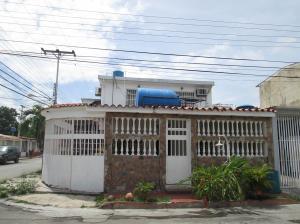 Casa En Venta En Maracay - Villas de Aragua Código FLEX: 19-5678 No.2