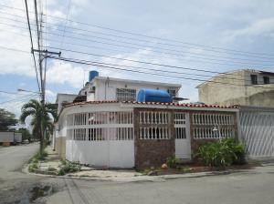 Casa En Venta En Maracay - Villas de Aragua Código FLEX: 19-5678 No.3