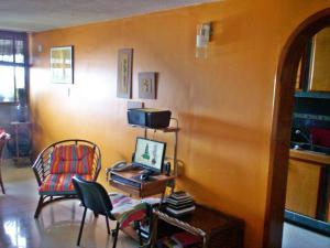 Apartamento En Venta En Maracay - San Jacinto Código FLEX: 19-5731 No.3