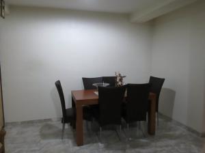 Apartamento En Venta En Maracay - San Isidro Código FLEX: 19-5751 No.2