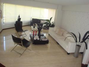 Apartamento En Venta En Caracas - Colinas de Valle Arriba Código FLEX: 19-5834 No.1