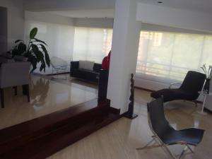 Apartamento En Venta En Caracas - Colinas de Valle Arriba Código FLEX: 19-5834 No.2