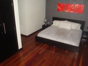 Apartamento En Venta En Caracas - Colinas de Valle Arriba Código FLEX: 19-5834 No.8