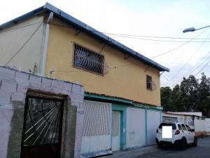 Casa En Venta En Maracay - El Limon Código FLEX: 19-5854 No.0