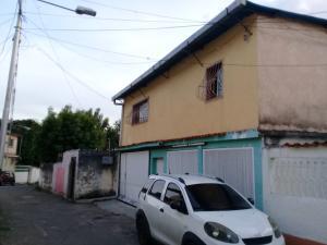 Casa En Venta En Maracay - El Limon Código FLEX: 19-5854 No.1