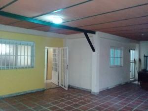 Casa En Venta En Maracay - El Limon Código FLEX: 19-5854 No.2