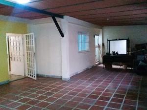 Casa En Venta En Maracay - El Limon Código FLEX: 19-5854 No.10