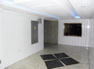 En Venta En Maracay - Zona Centro Código FLEX: 19-5878 No.2