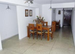 En Venta En Maracay - Zona Centro Código FLEX: 19-5878 No.6