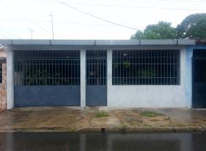 Casa En Venta En Maracay - San Ignacio Código FLEX: 19-5893 No.0