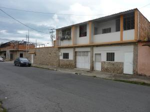 Casa En Venta En Maracay - San Jose Código FLEX: 19-5910 No.0