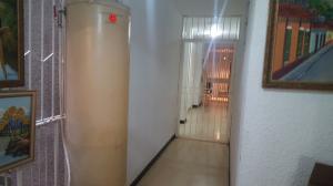 Apartamento En Venta En Caracas - Los Palos Grandes Código FLEX: 19-6039 No.2
