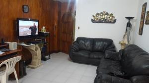 Apartamento En Venta En Caracas - Los Palos Grandes Código FLEX: 19-6039 No.4