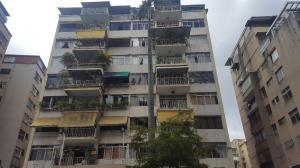 Apartamento En Venta En Caracas - Los Palos Grandes Código FLEX: 19-6039 No.15