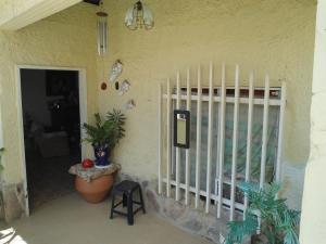 Casa En Venta En Maracay - La Morita Código FLEX: 19-6074 No.1