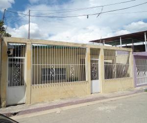 Casa En Venta En Maracay - La Morita Código FLEX: 19-6074 No.17