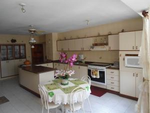 Apartamento En Venta En Maracay - Las Delicias Código FLEX: 19-6213 No.3