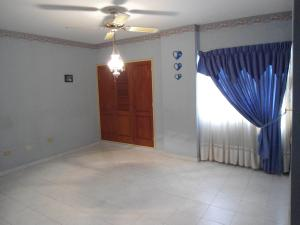 Apartamento En Venta En Maracay - Las Delicias Código FLEX: 19-6213 No.10