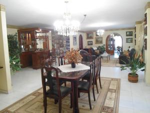 Apartamento En Venta En Maracay - Las Delicias Código FLEX: 19-6213 No.13